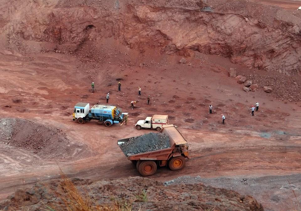 Minerals vs. Oil & Gas Exports