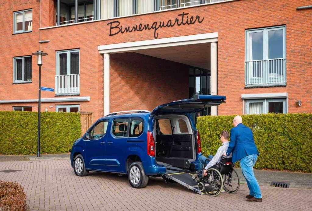 Meneghello ribassato trasporto disabile