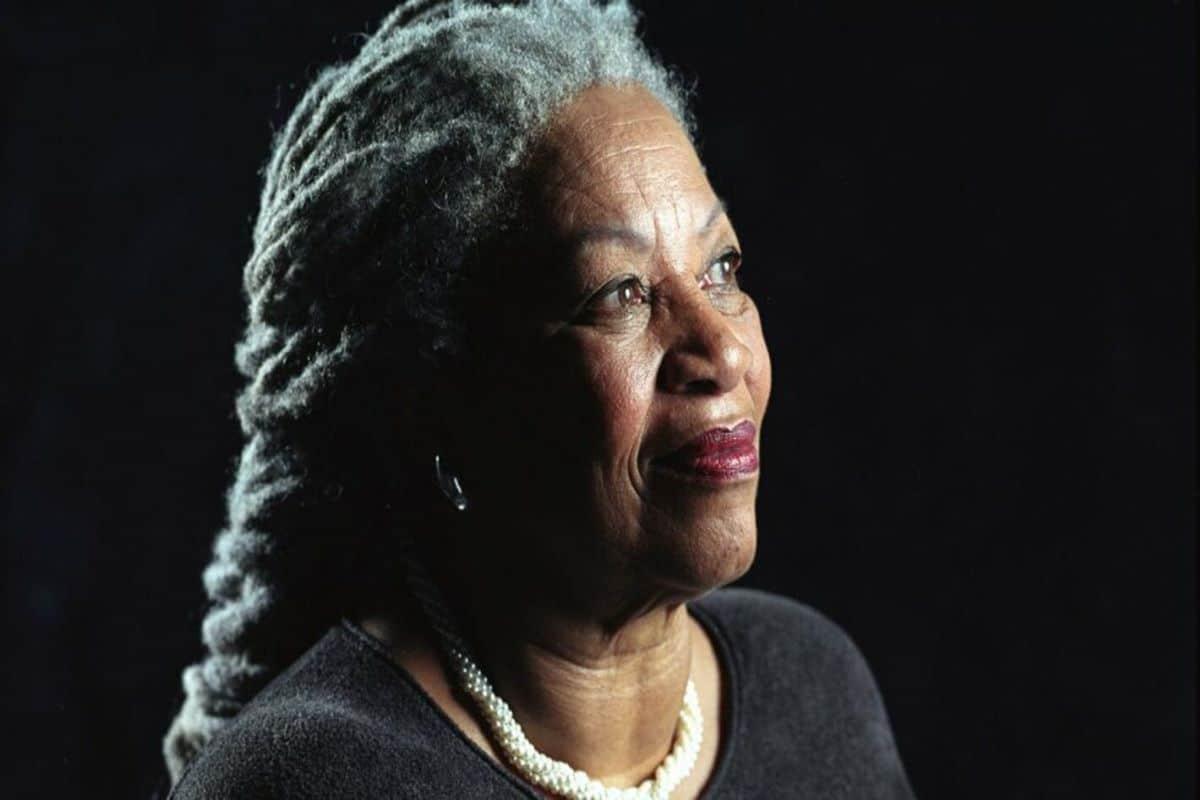 Liberarsi dai fantasmi dell'oppressione. Il ricordo di Toni Morrison