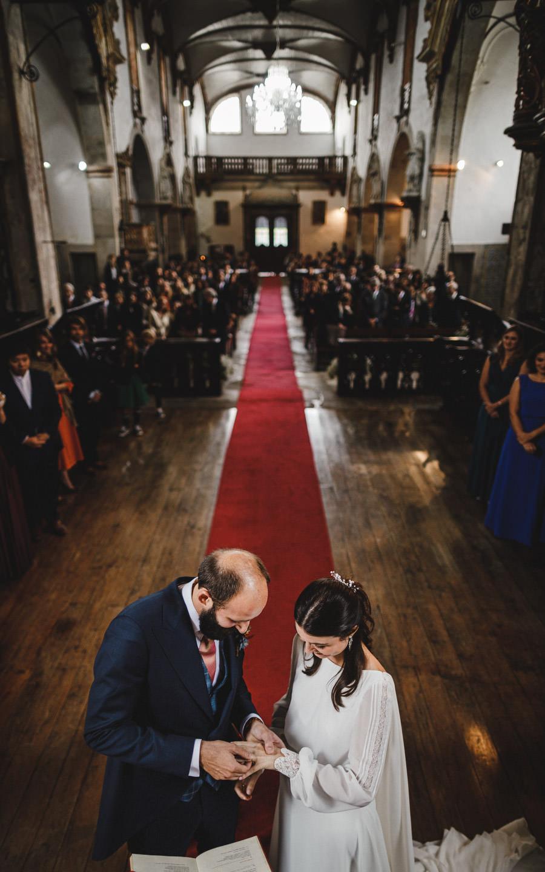 fotografia de casamento Mosteiro Amares troca de aliancas