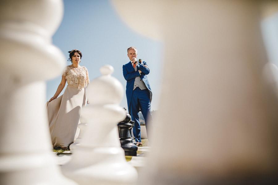 fotografia de casamento palacio do freixo xadrez gigante