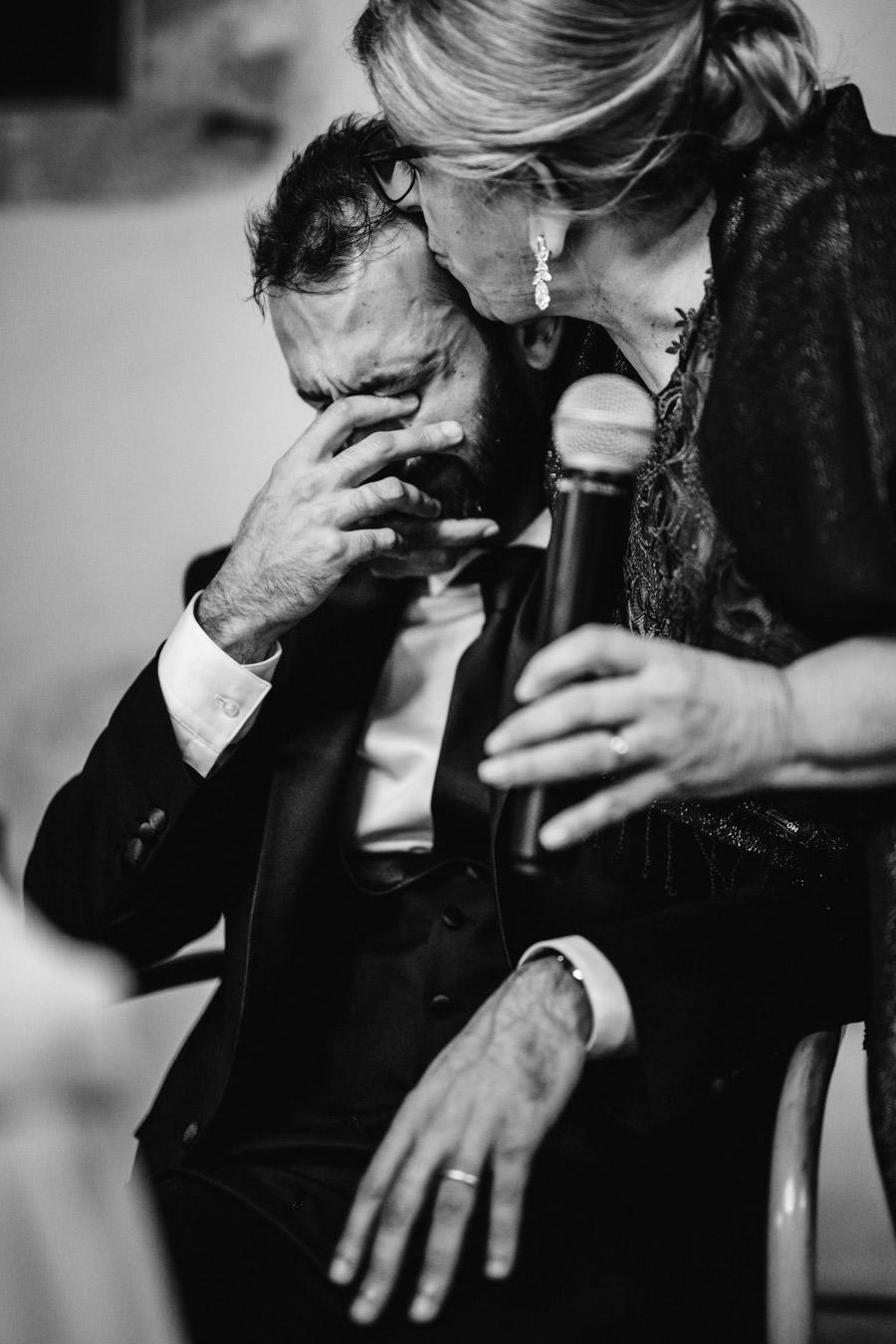 fotografia de casamento amares discurso da mae noivo a chorar