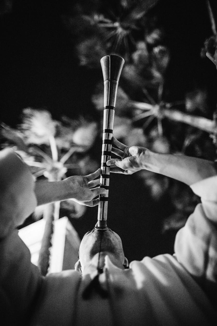 fotografia de casamento egipto tocador de flauta