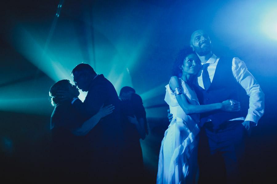 fotografia de casamento pousada de amares abracos