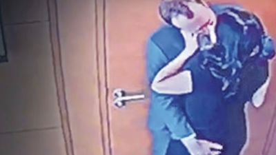 CCTV Sengaja Berbelok ke Pintu Matt Hancock Cium Gina Coladangelo