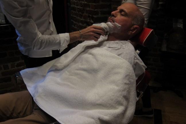 Ξύρισμα στο Λονδίνο ξύρισμα μπαρμπέρικου