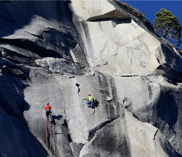 Duo Finishes Free-Climb up the Dawn Wall