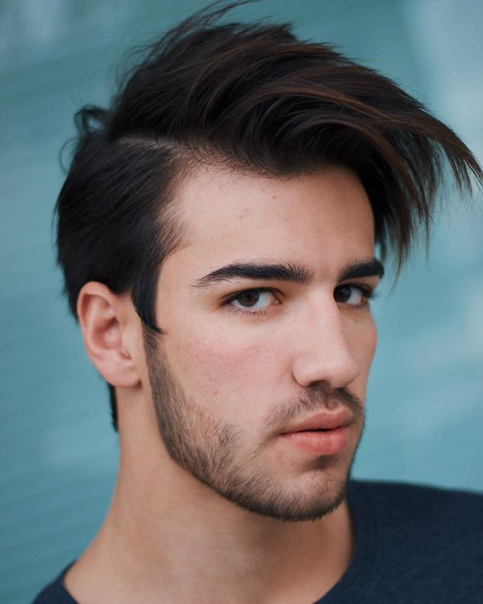 110 medium length hairstyles for men that will make a statement