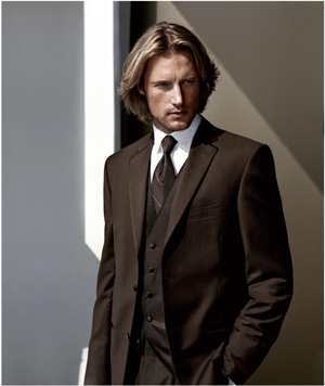 Fashion mens hair : Long Tuxedo hairstyle with long side bangs