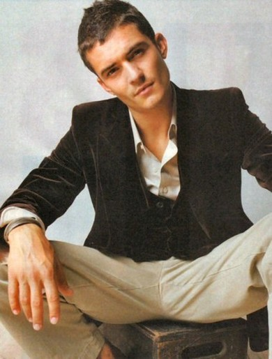 Orlando Bloom With Short Trendy Hairstylejpg