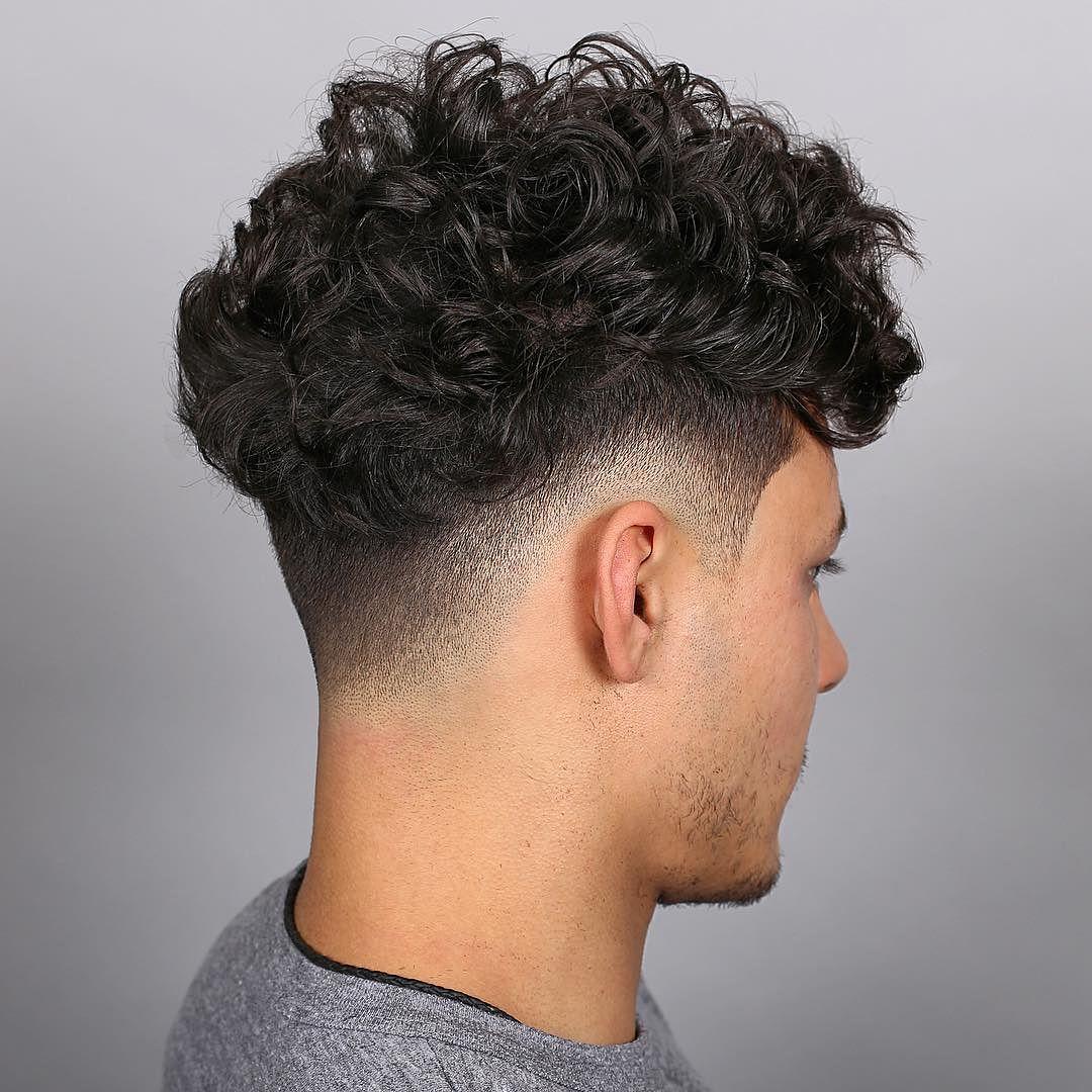 Una barba puede ayudar tanto a la imagen de un hombre. 19 Medium Hairstyles For Men: 2021 Trends