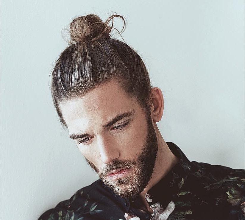 Rezultate imazhesh për man bun haircut