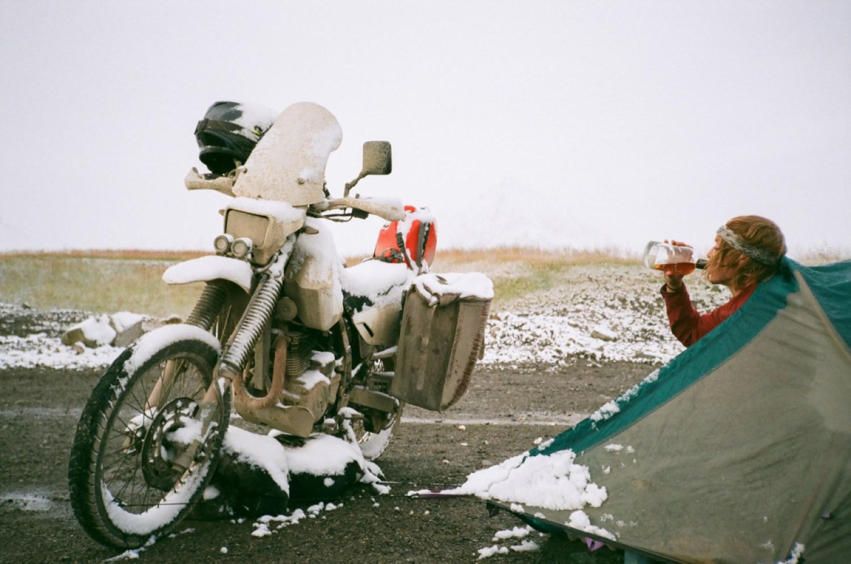 Moto Camping Snow