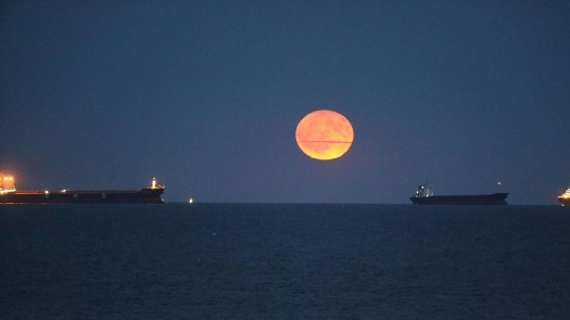 Harvest Moon, China - 25 Sep 2018 Harvest moon rises over Beidaihe River in Qinhuangdao, Hebei Province