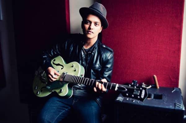 bruno mars green guitar