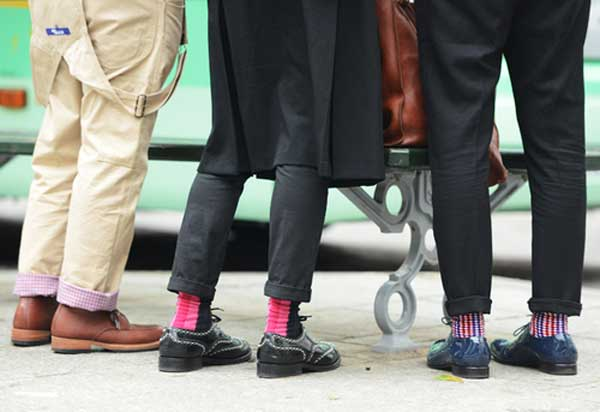 socks coloured fun with ,turn-ups or cuffed trousers