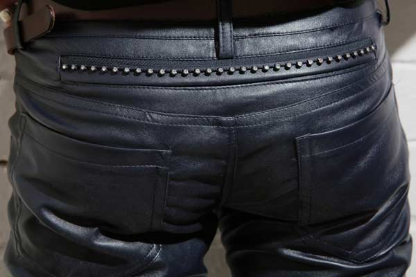 leather-trousers-for-your-motorbike