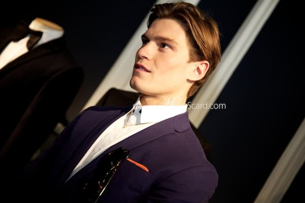 Oliver Cheshire – Comfortable and Masculine Style Icon