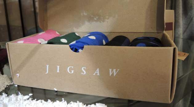 JIGSAW - Menswear - Tartan Suits & Xmas Gifts
