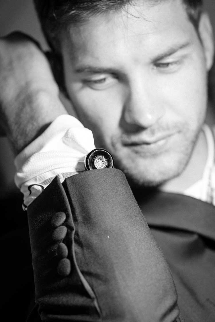 Greg-Minnaar-Misahara-Jewlery-Diamond-Cufflinks-formula-1-Down-Hill-Mountain-biker-MenStyleFashion