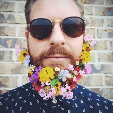 Beard-Fashion-men-with-Flowers-on-their-beard-2
