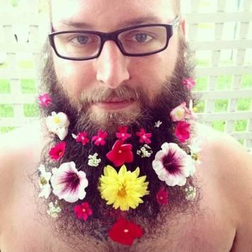 Beard-Fashion-men-with-Flowers-on-their-beard-4