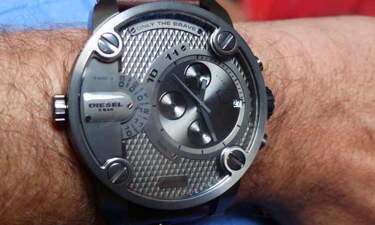 Diesel Men's Baby Daddy Chronograph Watch DZ7258 – Review