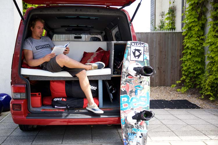 Lewis-Crathern-Kite-Surfer-MenStyleFashion.-Maria-Scard-Photographyjpg-(2)