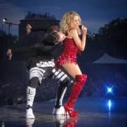 SkorpionDancer Kylie Minogue Kiss me Once Tour 2015 (2)