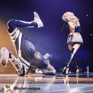 SkorpionDancer Kylie Minogue Kiss me Once Tour 2015 (4)