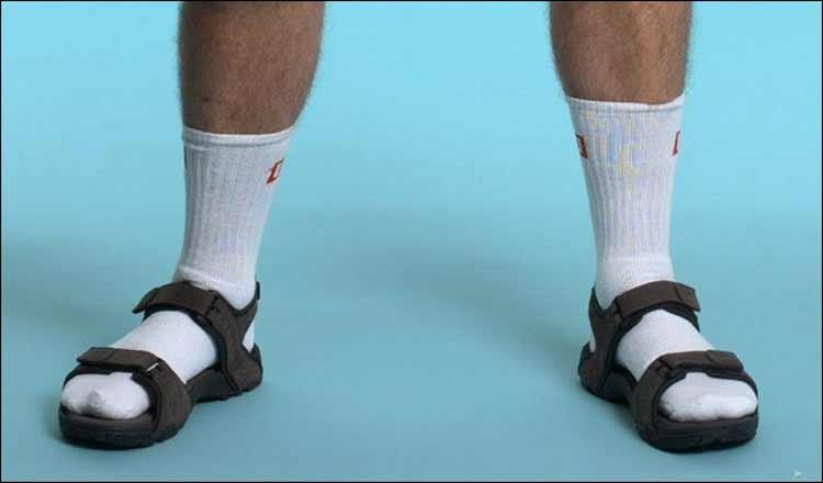 socks-and-sandals-for-men