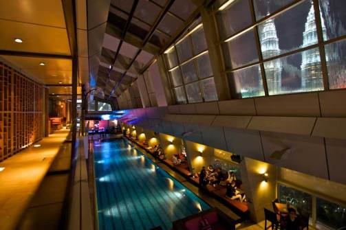 Sky-bar-traders-hotel-6