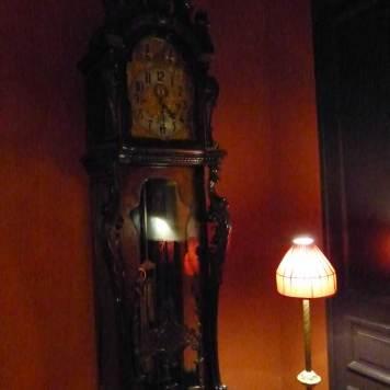 Hotel-Des-Indes-The-Hague-MenStyleFashion---clock