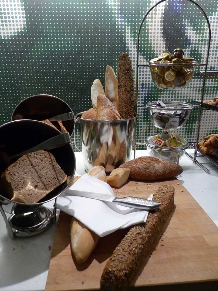 HotelBloom-Brussels-MenStyleFashion-2015-Review-reception--breakfast