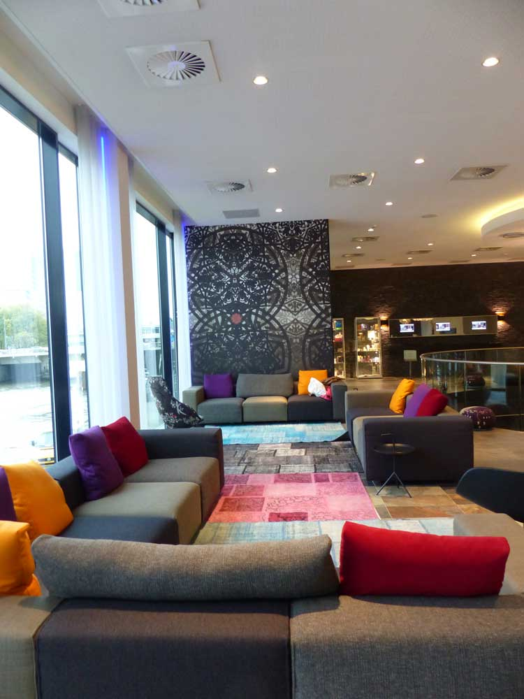 mainport-hotel-rotterdam-reception
