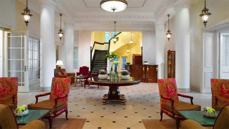 hotel-fuerstenhof-reception