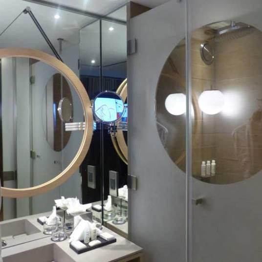 Good size mirror