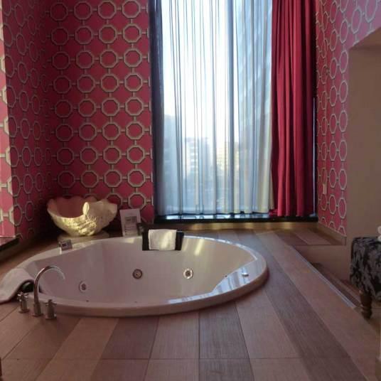 InntelHotel---Art-Eindhoven-Philips-Light-Tower-MenStyleFashion-(11).jpg-Jacuzzi - Copy