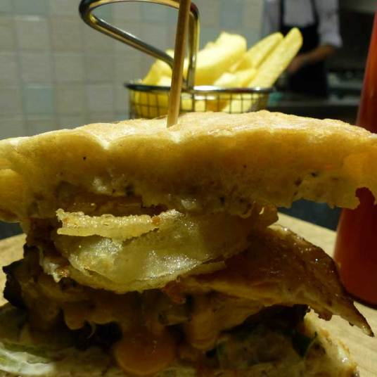 Art Burger - 250gr of black Angus beef - €17
