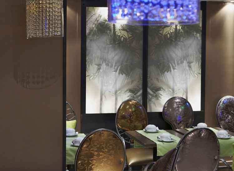 Hotel-De-France-Invalides---A-View-Of-The-Golden-Dome-Paris-Breakfast-Room-Paris