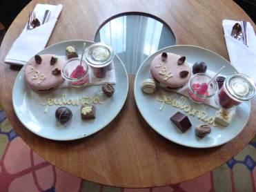 macaroon & chocolates