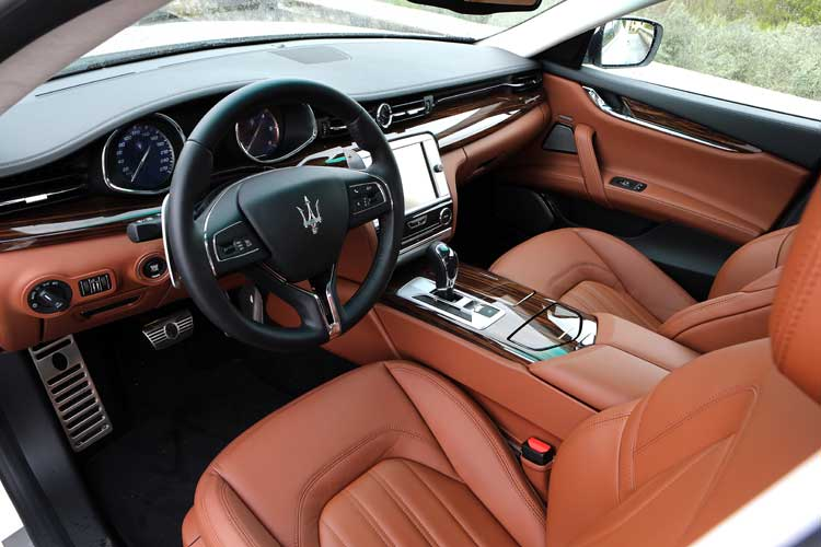 Maserati Quattroporte Diesel - Our Review front seats
