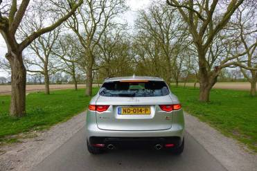 F-pace-model-S-Holland-2