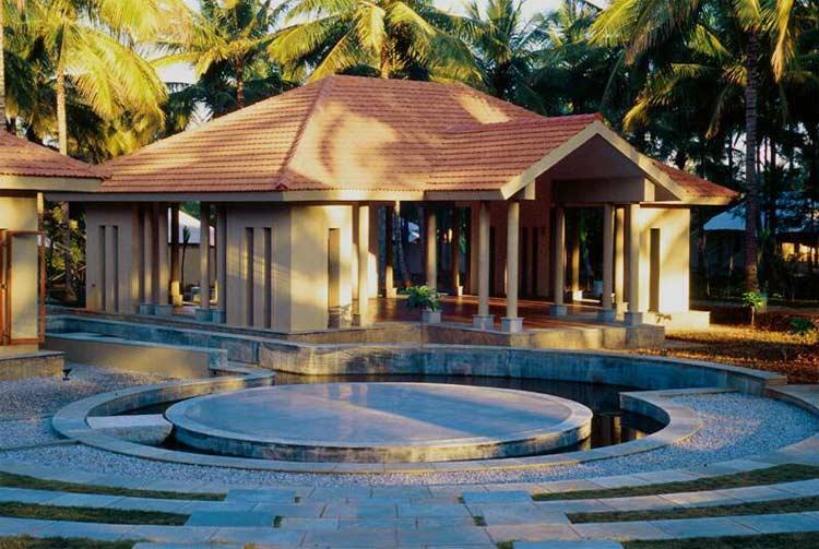 Shreyas Yoga Retreat – Yoga & Spa Detailed Review