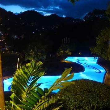 Earl's Regency Hotel - Kandy Jungle Swimming pool MenStyleFashion 2017 (5)