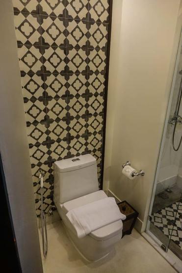 Na Nirand romanatic boutique hotel chiang mai room review (7)