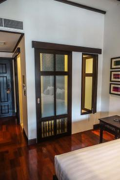 Na Nirand romanatic boutique hotel chiang mai room review (9)
