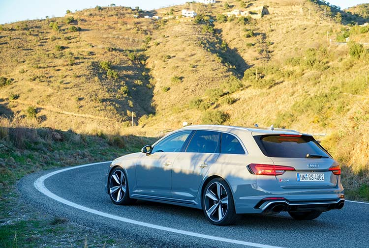 Audi RS4 (B9) – The Ultimate Jekyll and Hyde Estate Car