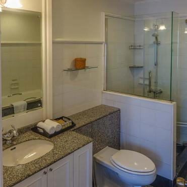 Cape House Hotel and Serviced Apartments Bangkok Review (5)