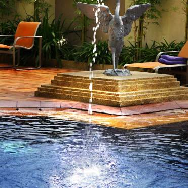 Copthorne-waterfront-swimming-pool
